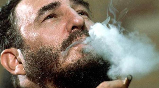"""Fidel Castro, crolla il mito: """"Vive nel lusso, è un capitalista senza limiti"""""""
