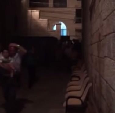 Betlemme: islamici assaltano chiesa cristiana, lancio di pietre – VIDEO