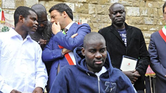 Scandaloso: quasi mille clandestini raccolti a Malta e portati in Italia
