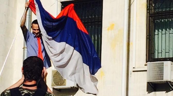 Kiev: assaltata ambasciata russa, incidenti