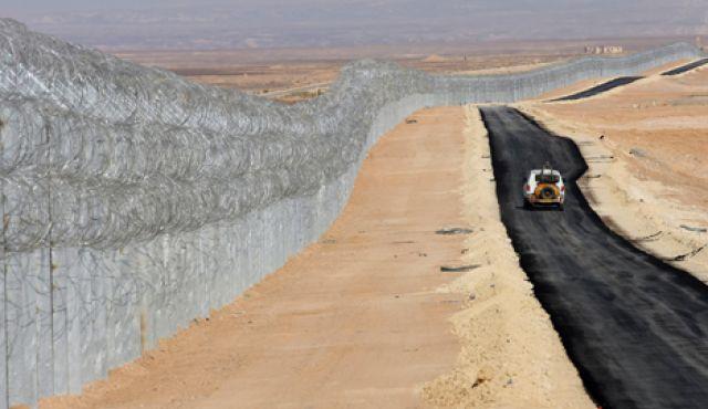 Israele: questo è un confine – FOTO