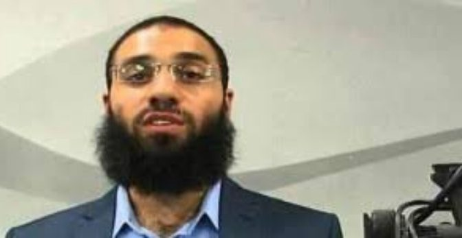 """Imam Milano: """"Combattenti ISIS sono eroi"""""""