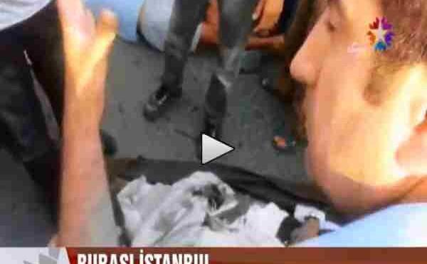 Solidarietà islamica: 'profughi' siriani accoltellati dalla folla – VIDEO