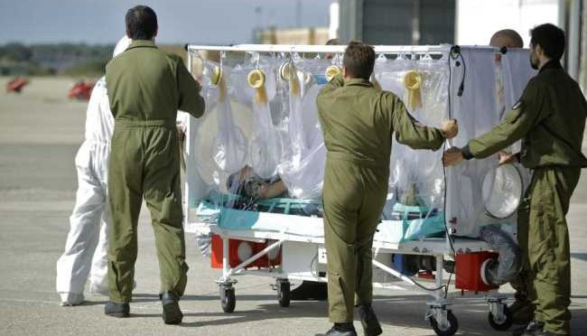 L'infermiere di Emergency ha l'Ebola: in arrivo a Roma
