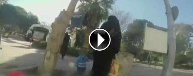 Prigioniera nella capitale di ISIS gira video di nascosto – GUARDA