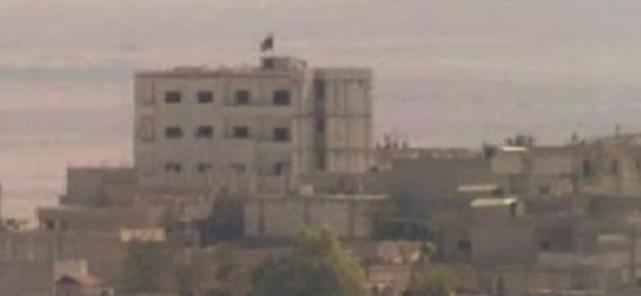 Kobane: bandiera nera di ISIS sventola sulla città – FOTO