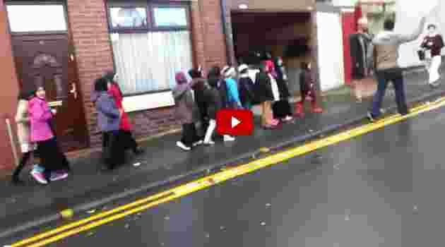 Eurabia: bambini islamici inneggiano Allah – VIDEO CHOC