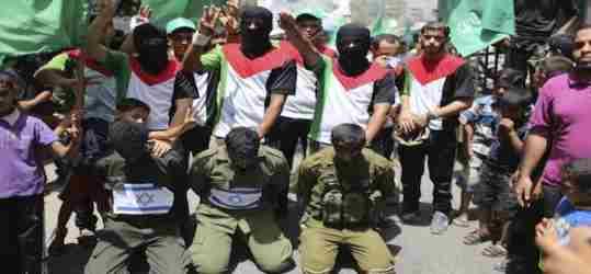 Gerusalemme multietnica: arabi entrano in sinagoga e fanno strage di ebrei
