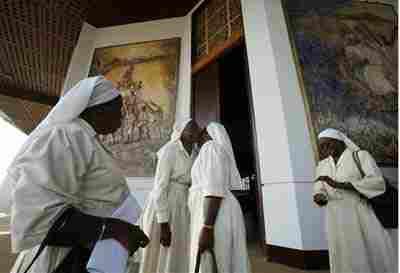 Roma: suora africana contagia 10 bambini