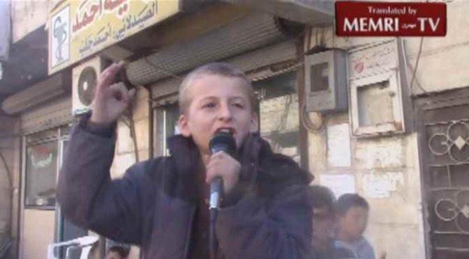 """Bambino islamico: """"Fate presto a sgozzare infedeli, vergini ci aspettano"""" – VIDEO"""