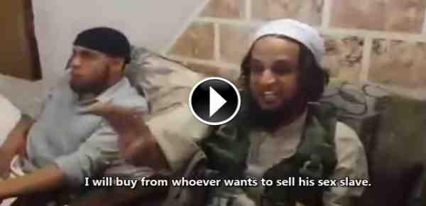 Islamici eccitati durante il mercato delle schiave – VIDEO