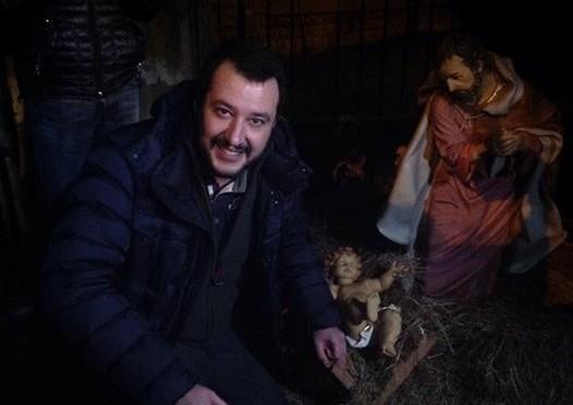 """Il mondo secondo Salvini: """"Campi Nomadi non devono esistere"""""""
