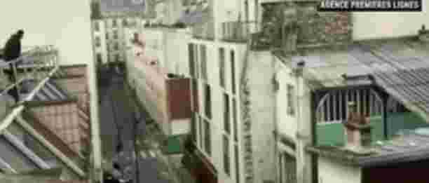 Charlie Hebdo: in fuga sui tetti inseguiti da terroristi islamici – VIDEO CHOC