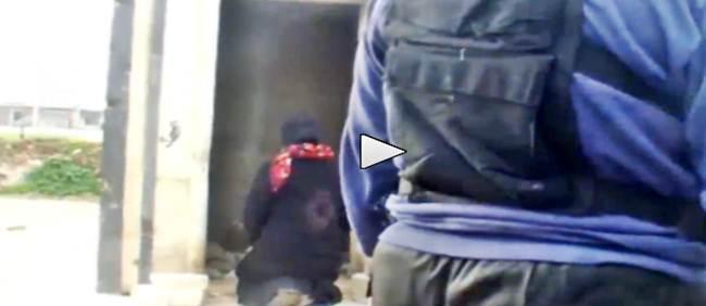 ISLAMICI 'GIUSTIZIANO' UN'ALTRA DONNA: E' UNA MATTANZA – VIDEO