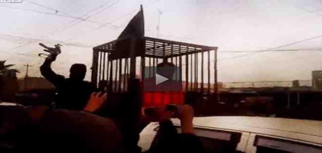 ISLAM: 'infedeli' in gabbia come bestie tra la folla – VIDEO