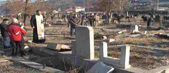 Kosovo: profanate tombe cristiane