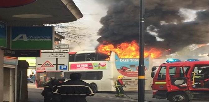 Immigrato islamico incendia un bus – VIDEO CHOC