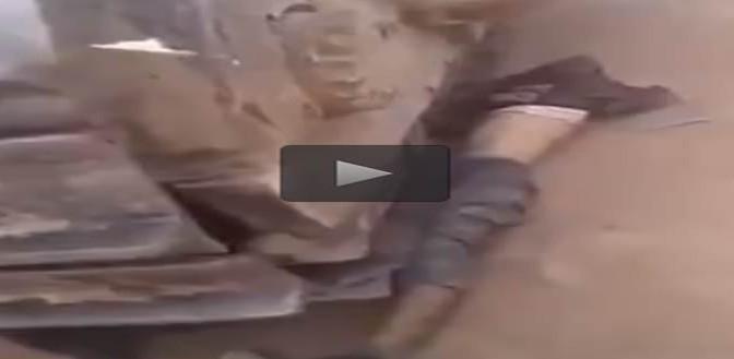 Islamici 'giustiziano' prigioniero schiacciandolo con bulldozer – VIDEO CHOC
