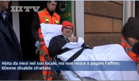 Genova: 60enne paralizzato buttato in mezzo ad una strada