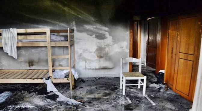 Dato alle fiamme appartamento destinato a sedicenti profughi