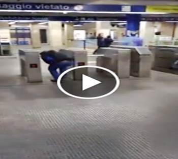 Metro di Roma è gratis per 'nomadi' e immigrati – VIDEO