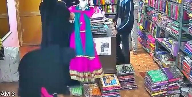 Sotto il burqa, la refurtiva: donne velate ladre provette – VIDEO