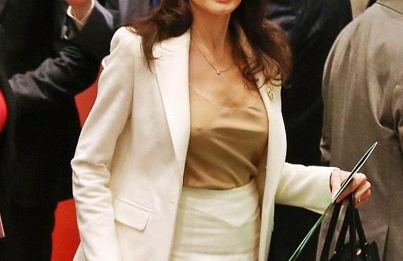 Nuovo spot per la Jolie nei campi profughi