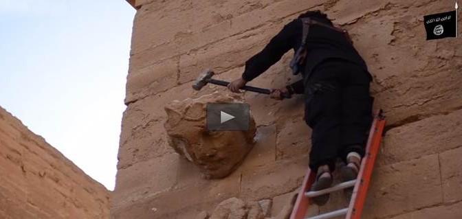 Furia islamica: ISIS devasta statue pre-islamiche – VIDEO