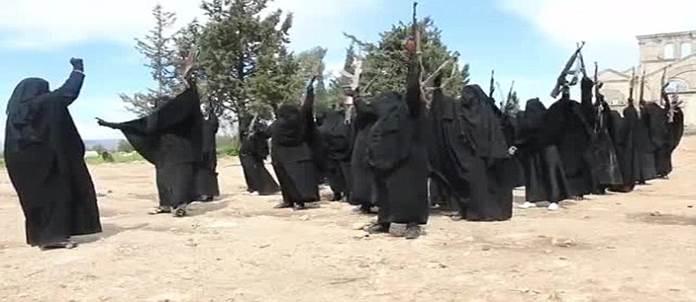 La brigata femminile di ISIS occupa una chiesa – VIDEO