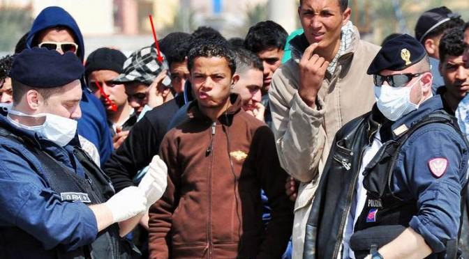 Attacco: Al Cairo bombe, a Palermo 717 bombe viventi
