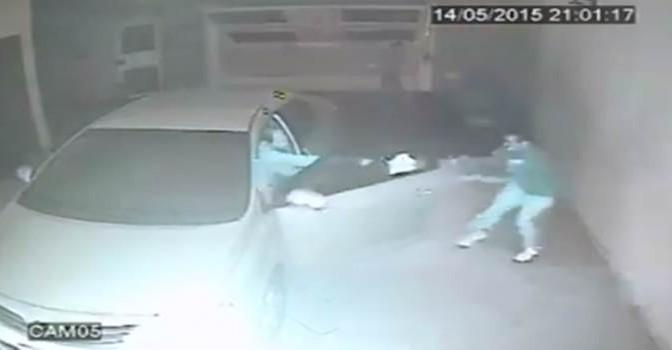 Rapinatori irrompono in garage: ma hanno una 'sorpresa' – VIDEO