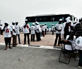 Qatar: immigrati costretti a correre maratona dell'Emiro in infradito