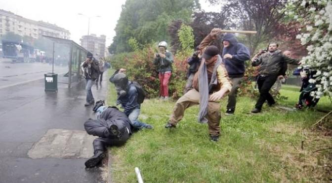 Milano: agente preso a bastonate dai centri sociali – FOTO-SEQUENZA