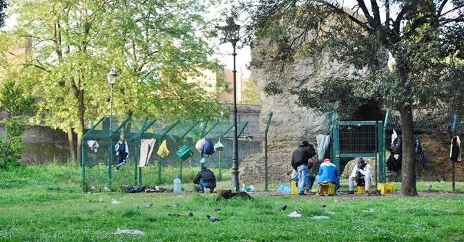 ROMA: COMUNE CHIUDE IL PARCO DELLO STUPRO