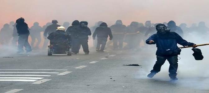 MILANO: CENTRI SOCIALI IN MARCIA VERSO LA SCALA