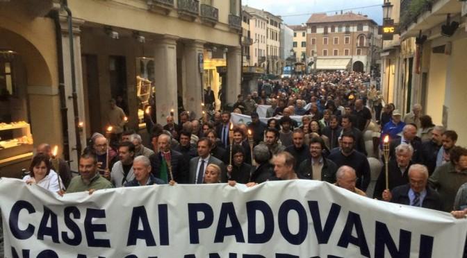 Padova: manifestazione contro l'invasione dei sedicenti profughi – VIDEO – FOTO