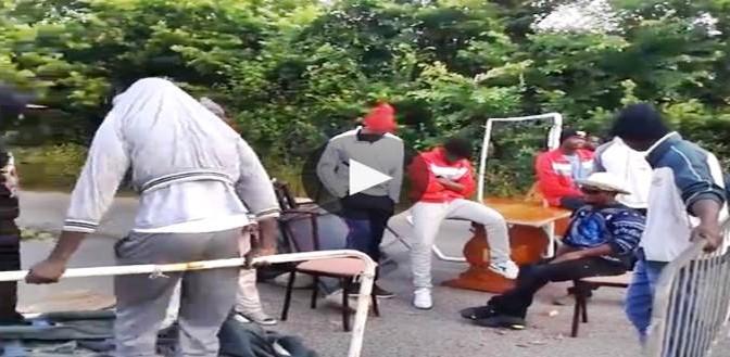 Controllore massacrato di botte: i 3 profughi ai domiciliari in hotel, questo – VIDEO