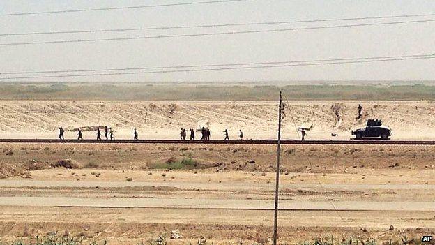 RAMADI E' TUTTA DI ISIS: TRUPPE IRACHENE IN FUGA CAOTICA – FOTO