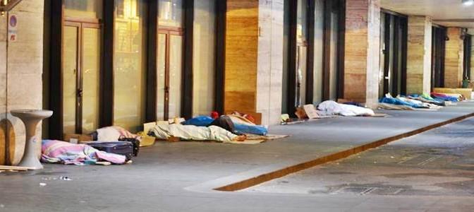 Roma: immigrato con coltello terrorizza passanti