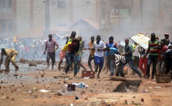 EBOLA: VIOLENTI SCONTRI IN GUINEA, VIRUS VERSO NORD?