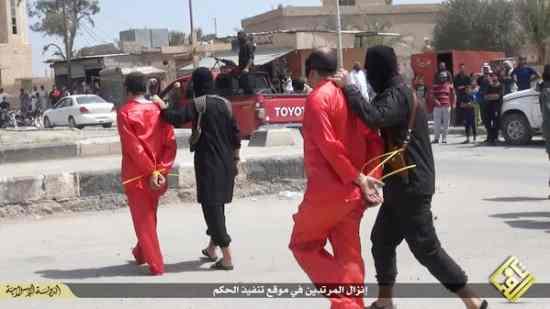 """ISIS ne 'giustizia' 6: """"Avevano abbandonato l'Islam"""" – VIDEO CHOC"""