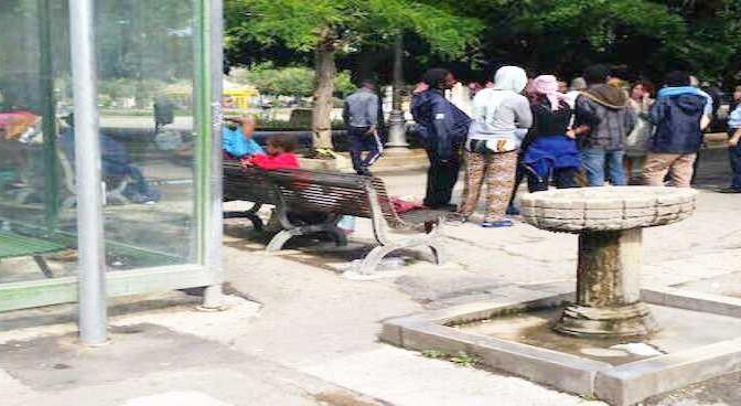 Siracusa: profughi fuggono da hotel, esigono incontro con autorità