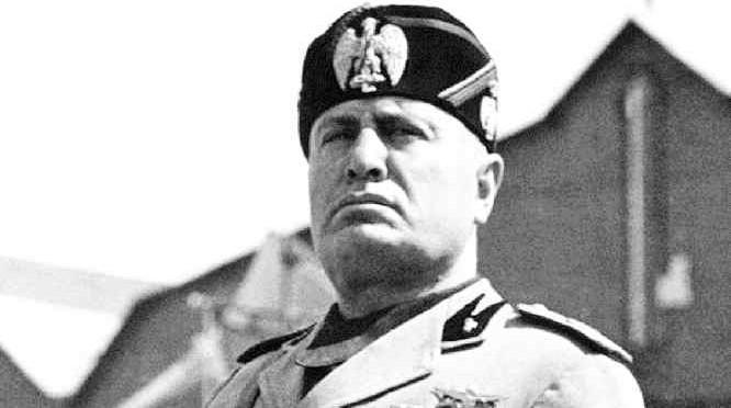 Fausto Leali 'sconvolge' il Gf Vip: «Mussolini ha fatto tante cose buone»