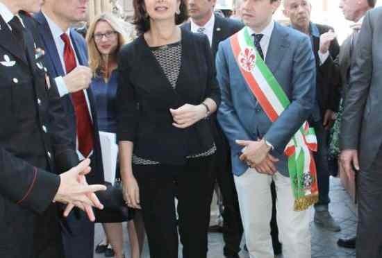 """Sindaco Firenze: """"Fumato droga, miei figli liberi di farlo"""""""
