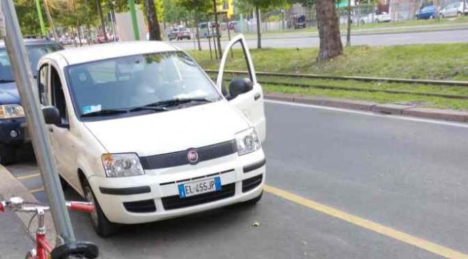 Pisapia: assessore parcheggia in posto disabili