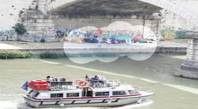 Roma: crociera turisti tra le baraccopoli