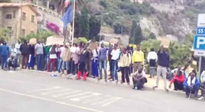 FRANCIA CHIUDE FRONTIERA: Ventimiglia sotto assedio – VIDEO