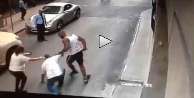 Accoltellato a morte per diverbio stradale – VIDEO CHOC