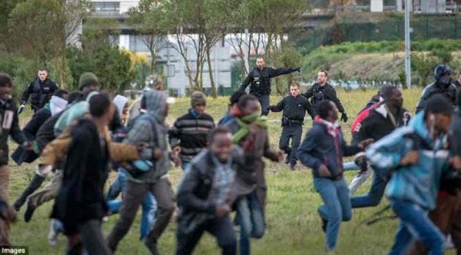 Belgio chiude frontiera con Francia: teme ondata clandestini da Calais
