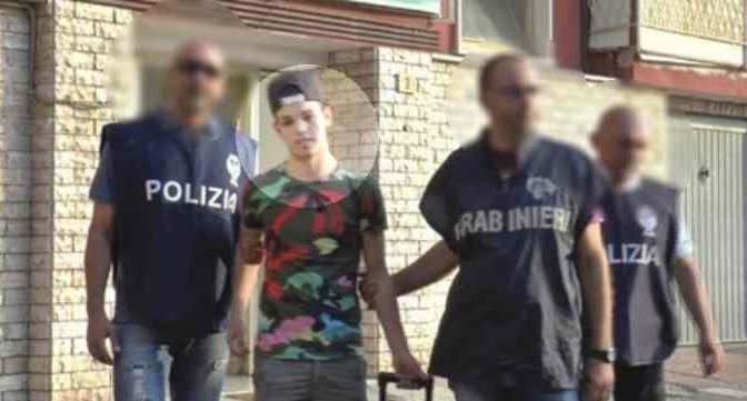 Espulso studente marocchino figlio di immigrati: terrorista